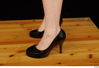 Vanessa Shelby black high heels foot 0006.jpg